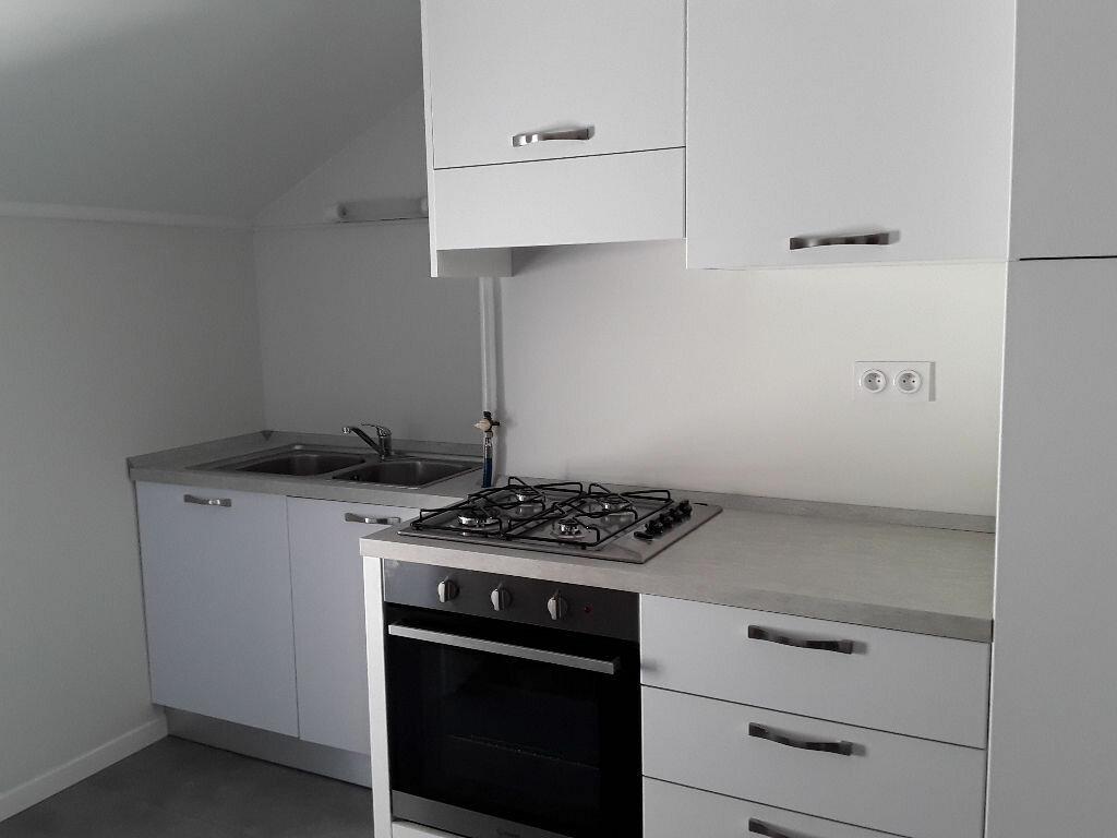 Appartement à louer 4 70m2 à Moirans vignette-2