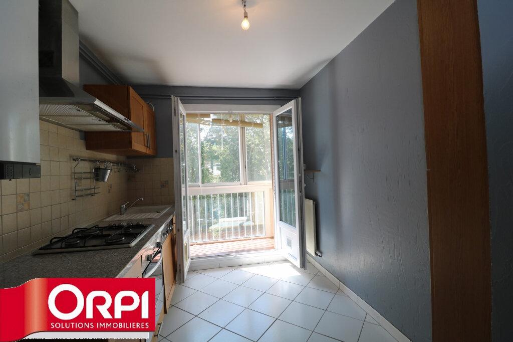 Appartement à vendre 3 65.96m2 à Voiron vignette-3