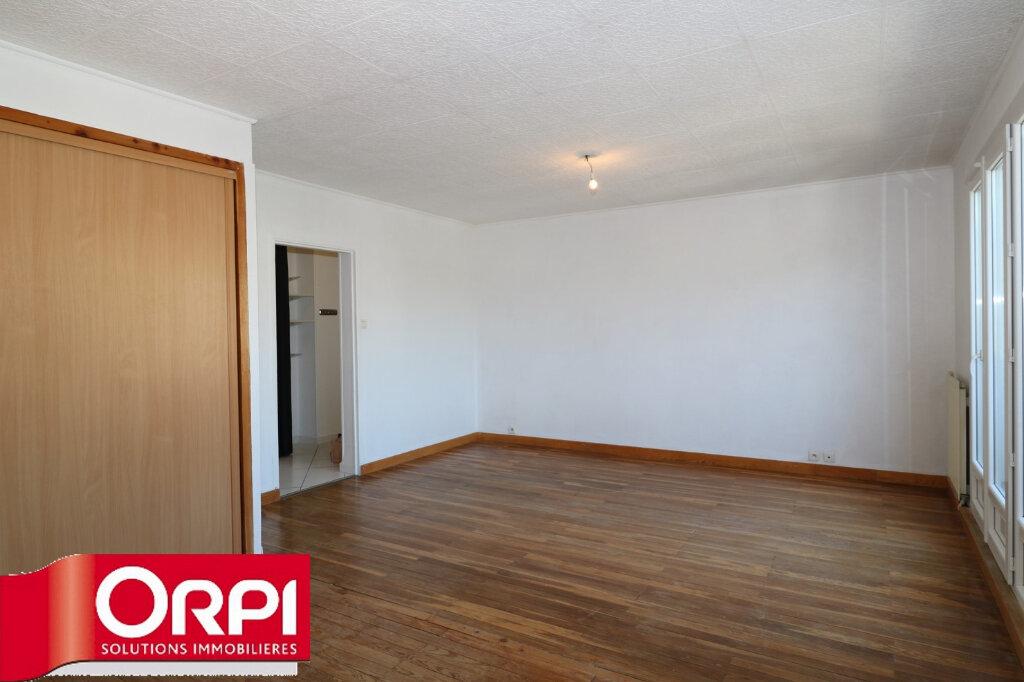 Appartement à vendre 3 65.96m2 à Voiron vignette-6