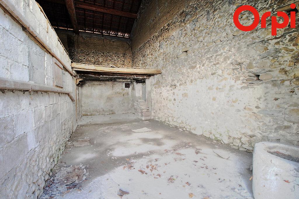 Maison à vendre 4 110m2 à Chirens vignette-3