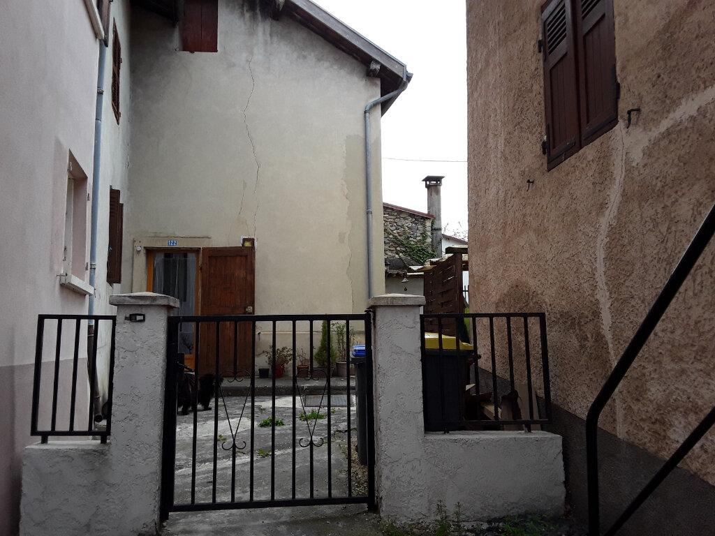 Maison à louer 3 75m2 à Rives vignette-1