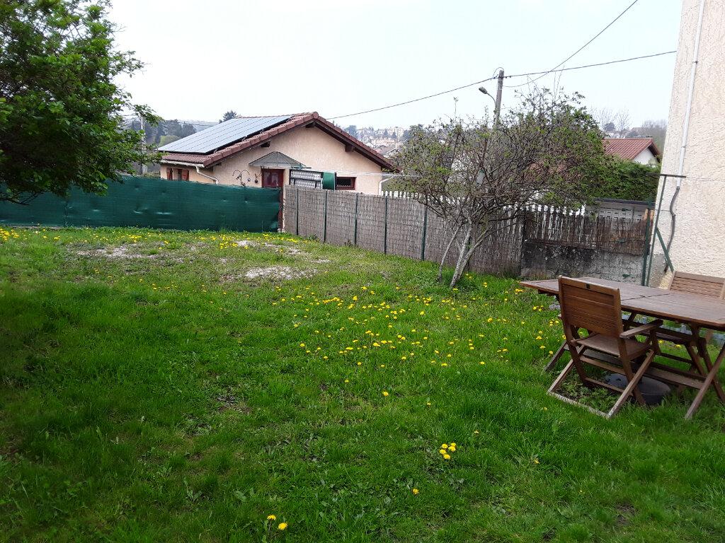 Maison à louer 3 75m2 à Rives vignette-3