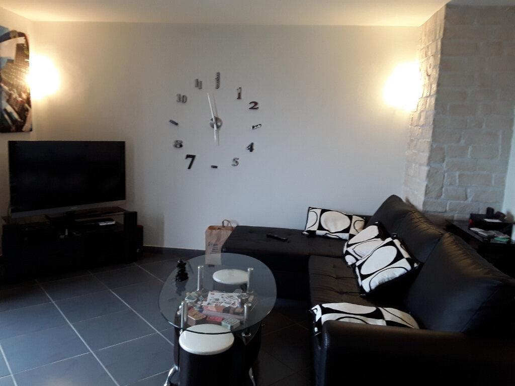 Appartement à louer 3 69m2 à La Murette vignette-1