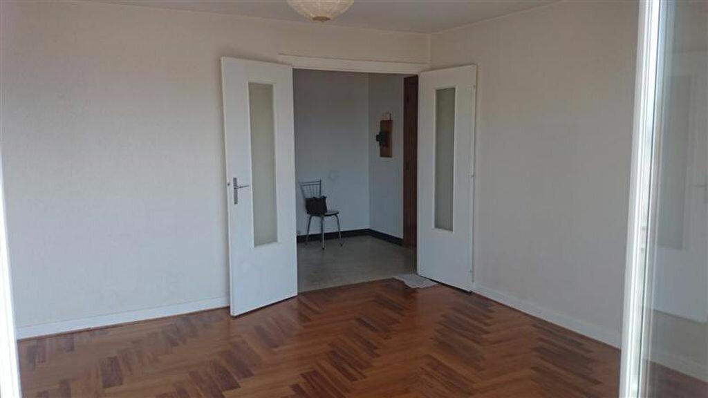 Appartement à louer 3 70m2 à Voiron vignette-1