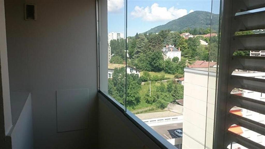 Appartement à louer 3 70m2 à Voiron vignette-3