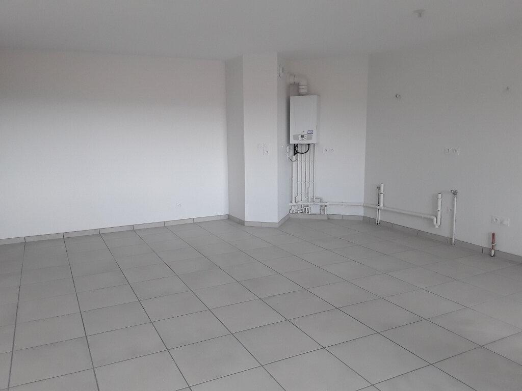 Appartement à louer 3 65m2 à La Buisse vignette-4