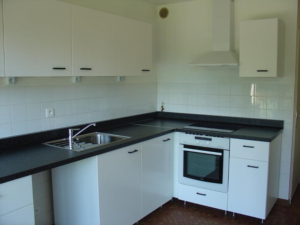 Appartement à louer 4 82m2 à Voiron vignette-1