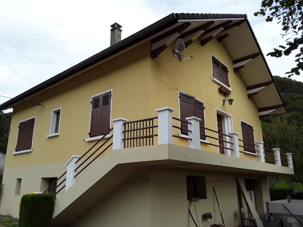 Maison à louer 3 69m2 à Saint-Aupre vignette-1