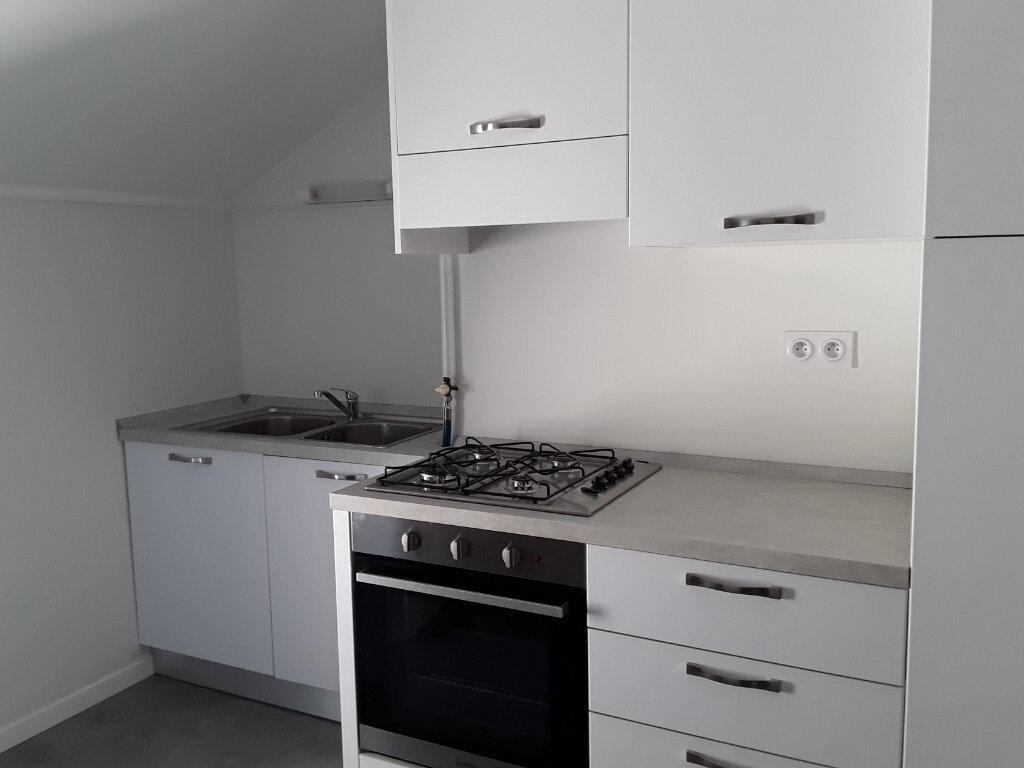 Appartement à louer 4 68m2 à Moirans vignette-2