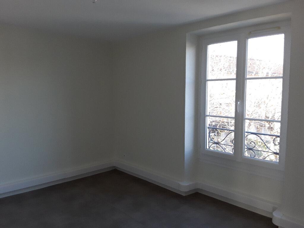 Appartement à louer 4 68m2 à Moirans vignette-3