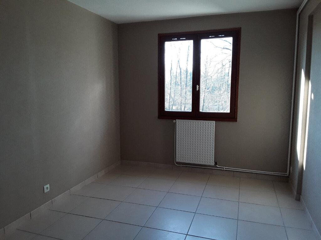 Appartement à louer 4 81m2 à Moirans vignette-4