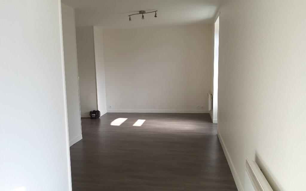 Appartement à louer 2 44m2 à Chirens vignette-3