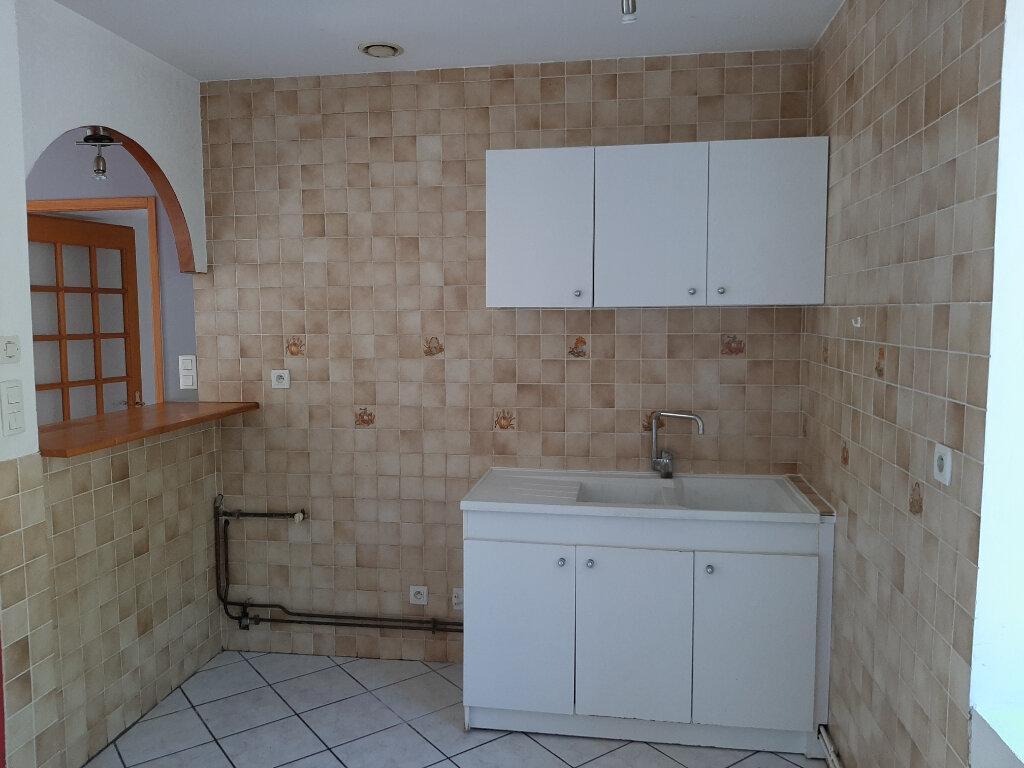 Appartement à louer 2 55m2 à Voiron vignette-2