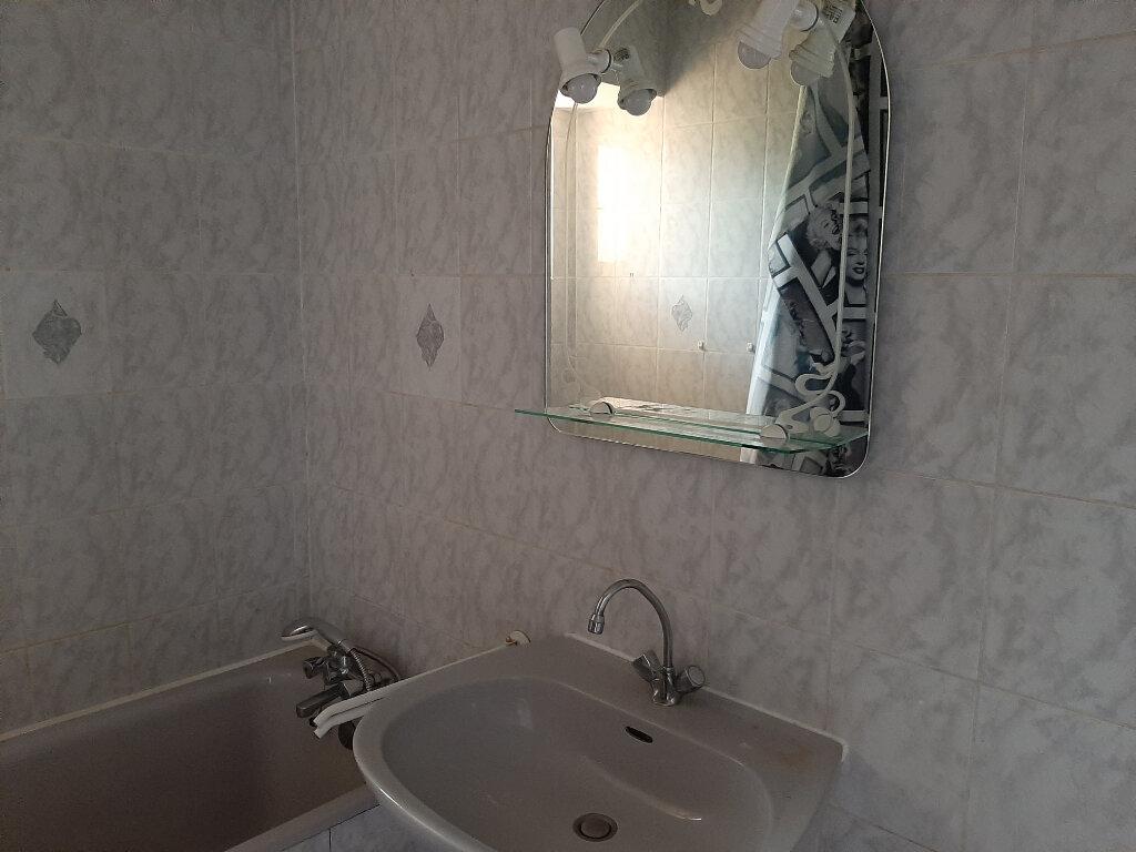 Appartement à louer 2 55m2 à Voiron vignette-5