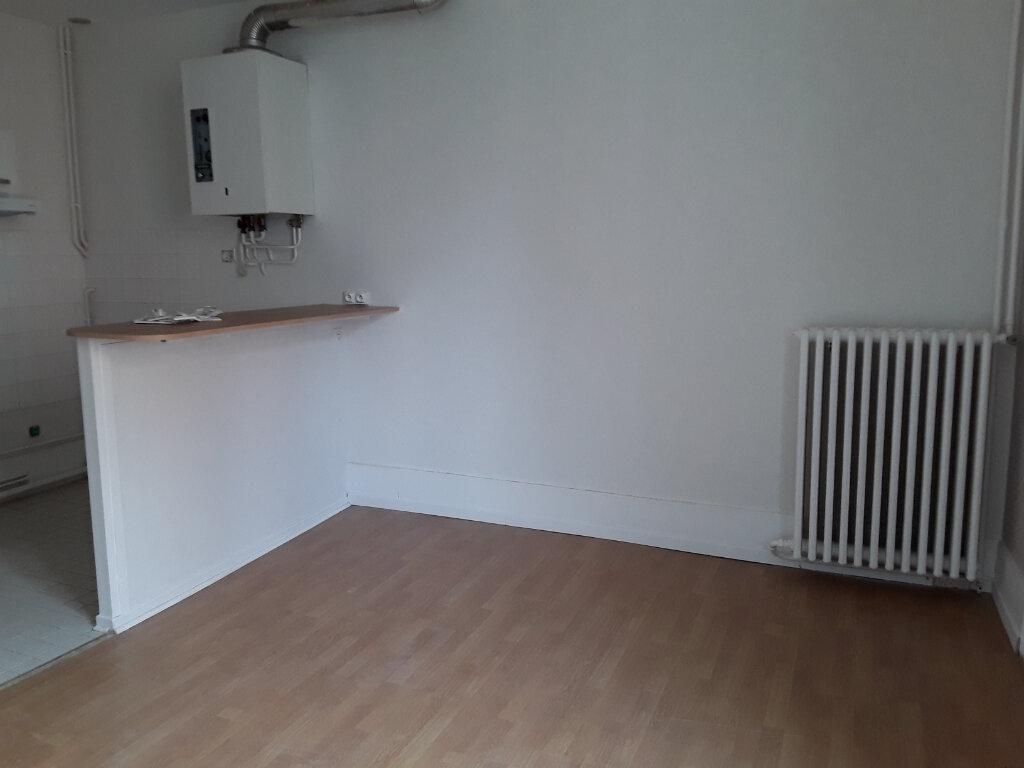Appartement à louer 2 42m2 à Voiron vignette-2