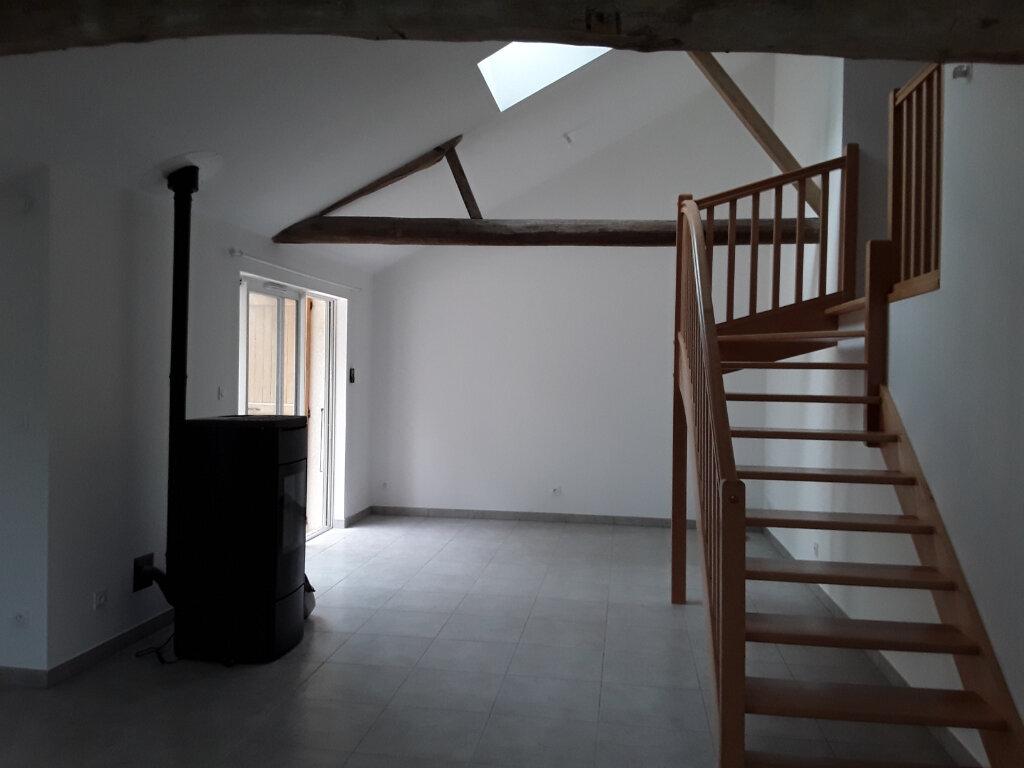 Maison à louer 3 76m2 à La Bâtie-Divisin vignette-2