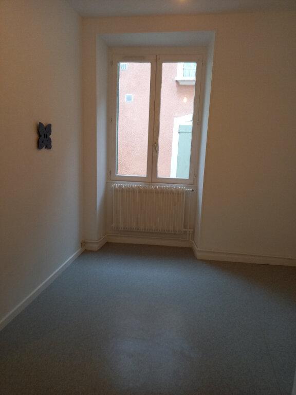 Appartement à louer 2 29m2 à Voiron vignette-3