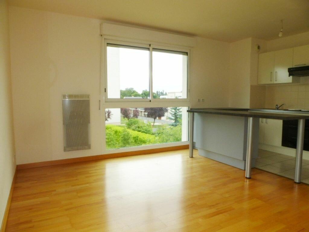Appartement à louer 3 57m2 à La Chapelle-Saint-Mesmin vignette-9
