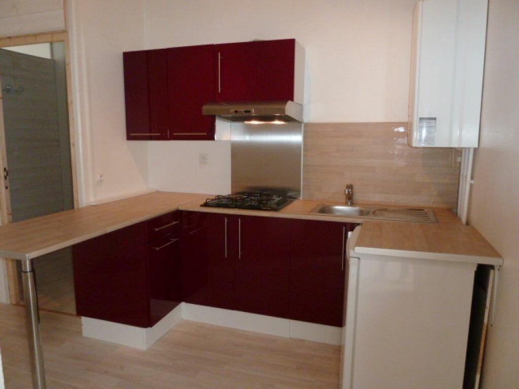 Appartement à louer 2 34m2 à Orléans vignette-1