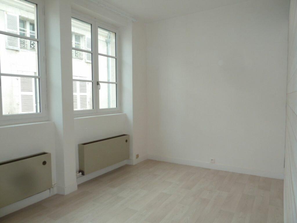 Appartement à louer 2 34m2 à Orléans vignette-2