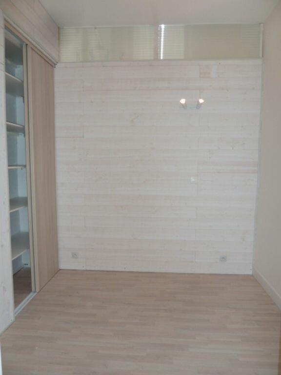 Appartement à louer 2 34m2 à Orléans vignette-4