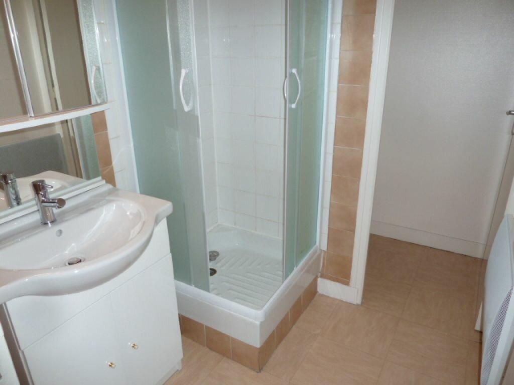Appartement à louer 2 34m2 à Orléans vignette-5