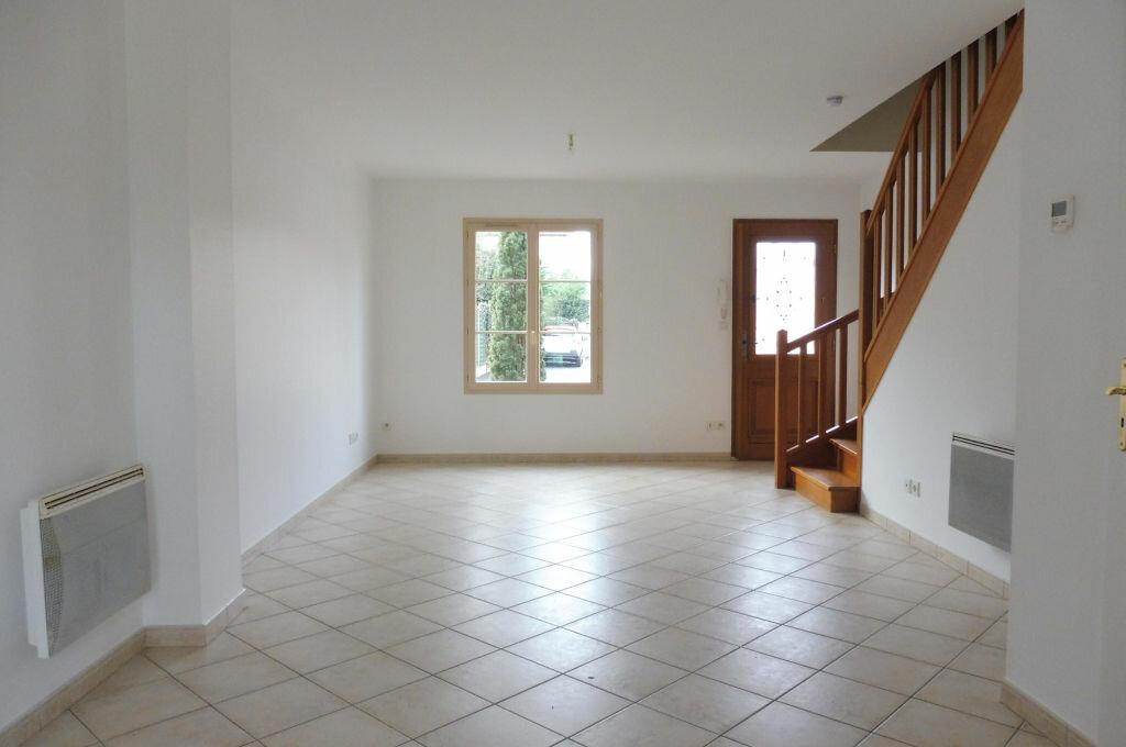 Maison à louer 3 65m2 à La Ferté-Saint-Aubin vignette-2