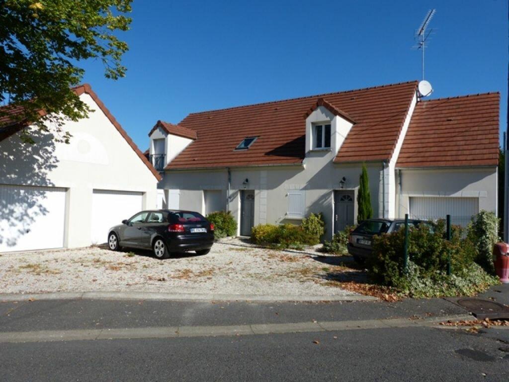 Maison à louer 3 70m2 à Gien vignette-2