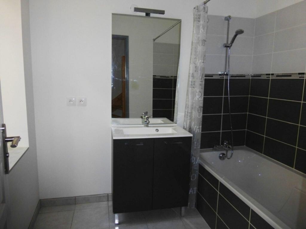 Appartement à louer 3 60m2 à Orléans vignette-2