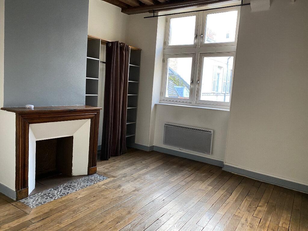 Appartement à louer 2 32m2 à Orléans vignette-4