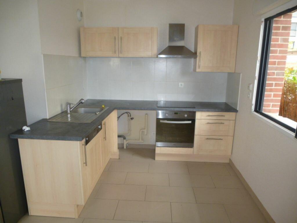 Appartement à louer 3 57m2 à Orléans vignette-2