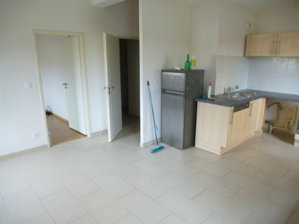 Appartement à louer 3 57m2 à Orléans vignette-3