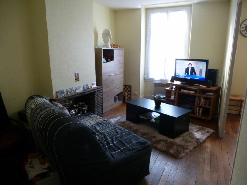 Appartement à louer 2 50.1m2 à Orléans vignette-2