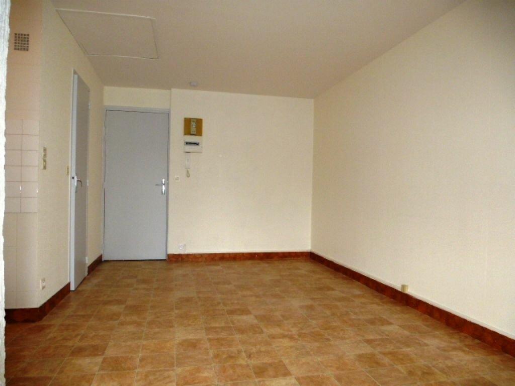 Appartement à louer 1 24.1m2 à Orléans vignette-10