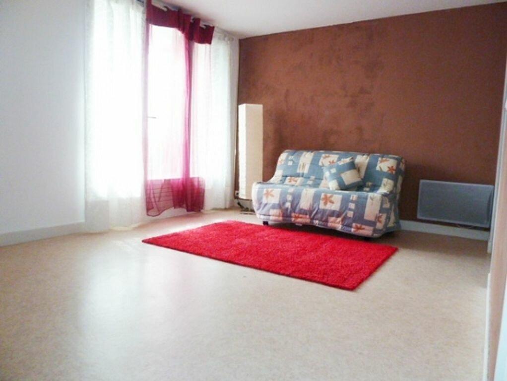 Appartement à louer 1 29m2 à Orléans vignette-1