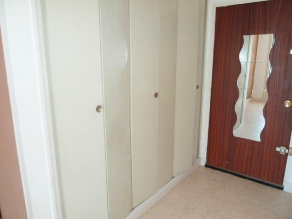 Appartement à louer 1 29m2 à Orléans vignette-5