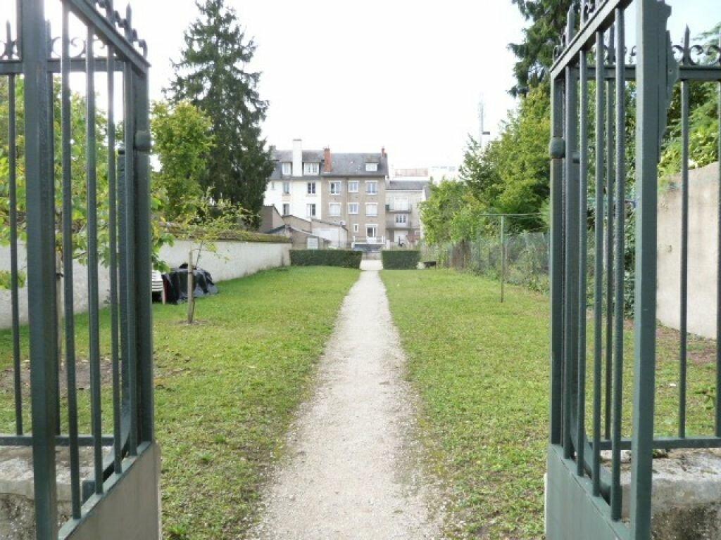 Appartement à louer 2 39m2 à Orléans vignette-2