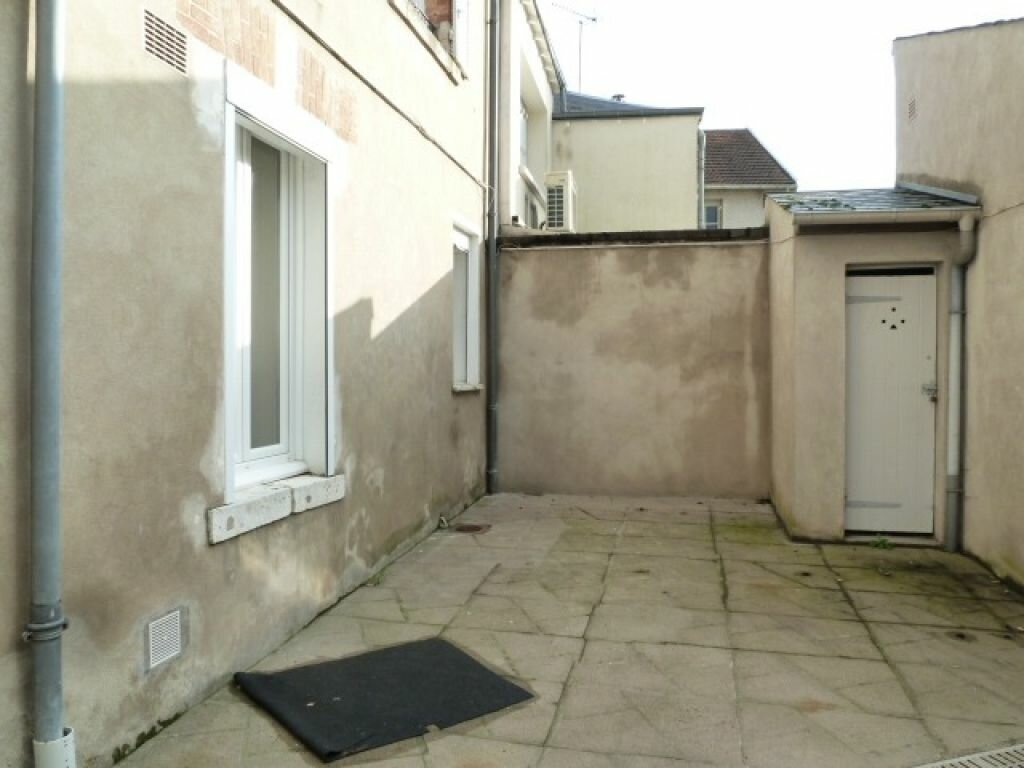 Appartement à louer 2 39m2 à Orléans vignette-4