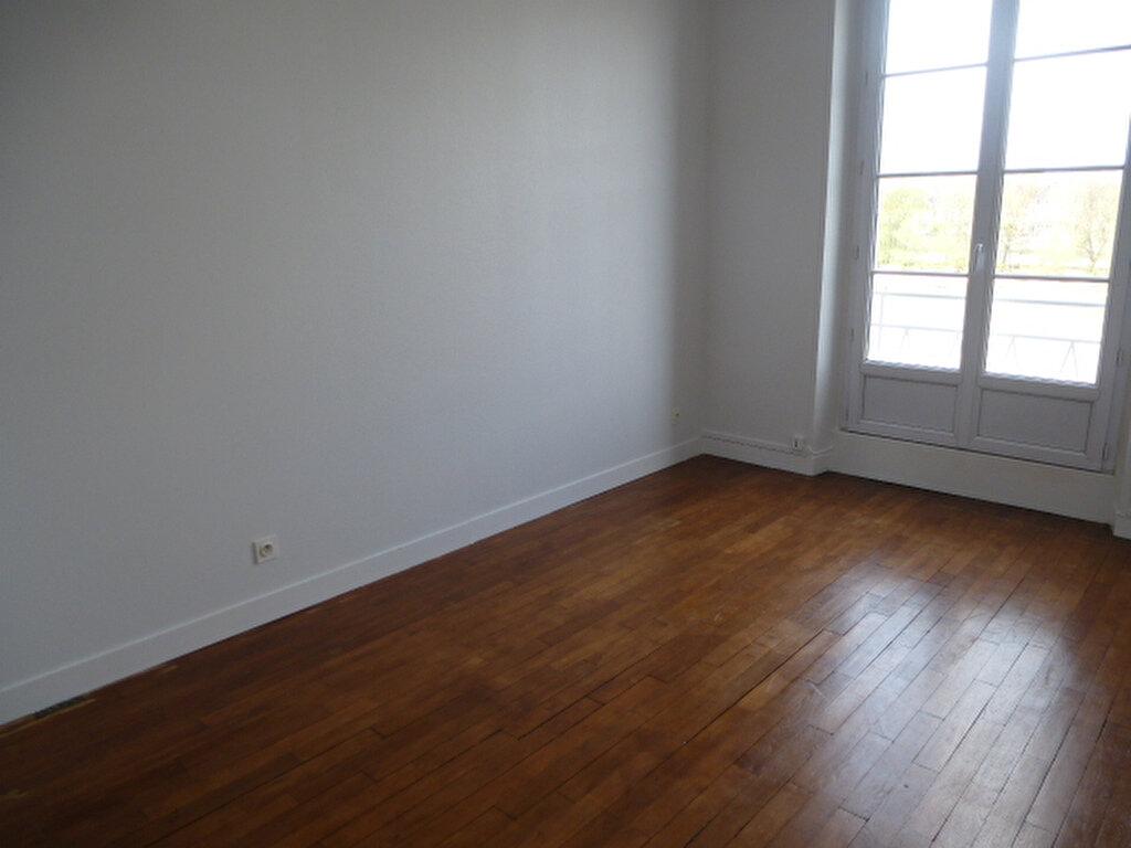 Appartement à louer 2 42.2m2 à Orléans vignette-2
