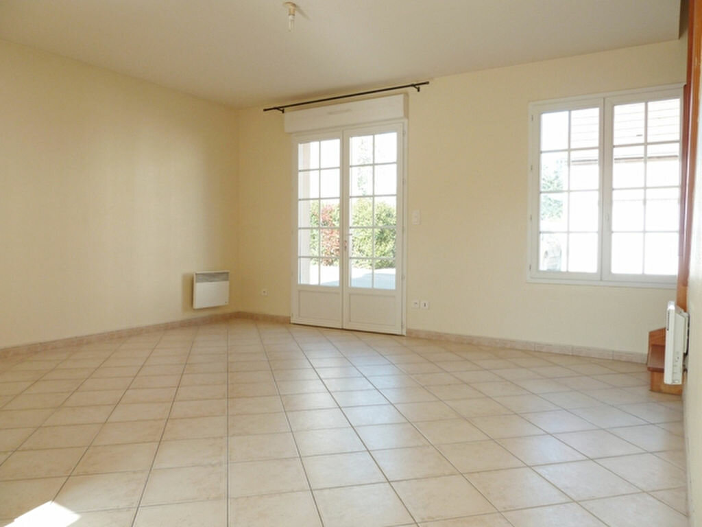 Maison à louer 3 60m2 à La Chapelle-Saint-Mesmin vignette-1