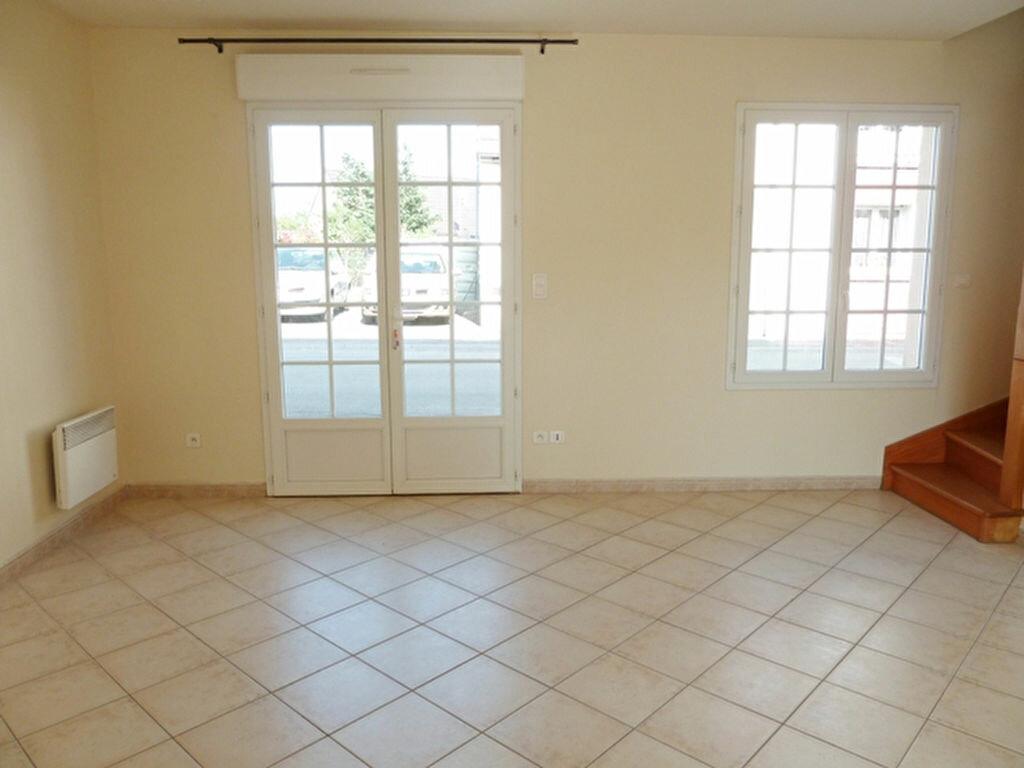 Maison à louer 3 60m2 à La Chapelle-Saint-Mesmin vignette-3