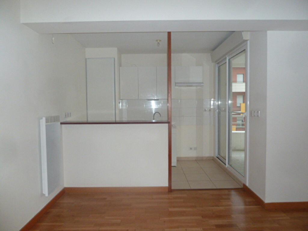 Appartement à louer 3 54.53m2 à Orléans vignette-3