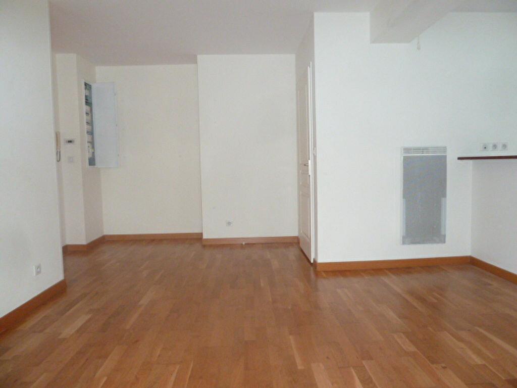 Appartement à louer 3 54.53m2 à Orléans vignette-5