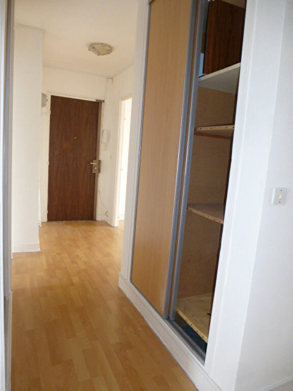 Appartement à louer 3 63.3m2 à Saint-Jean-de-Braye vignette-9
