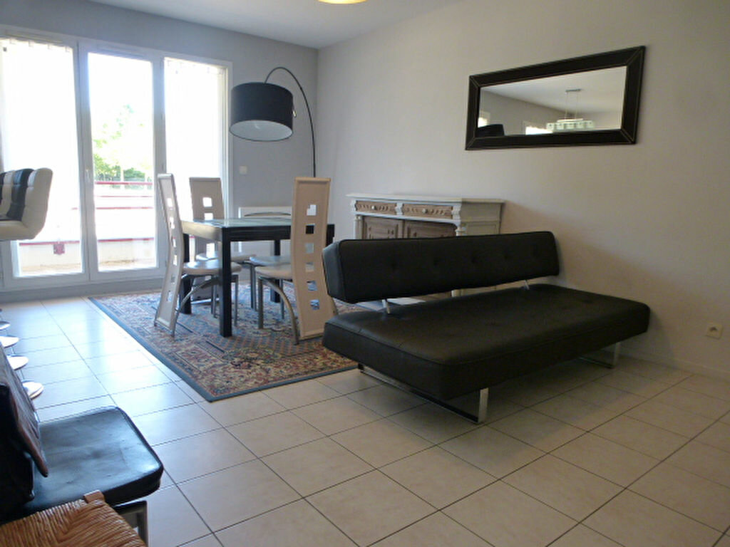 Appartement à louer 3 64.77m2 à Orléans vignette-1