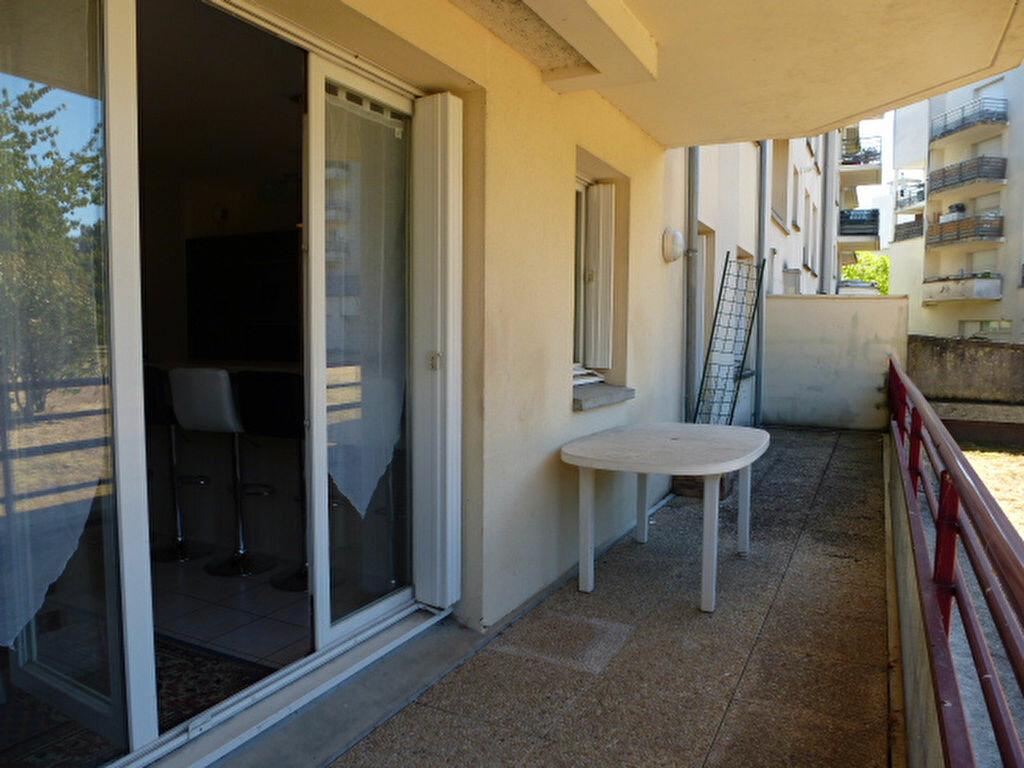 Appartement à louer 3 64.77m2 à Orléans vignette-8