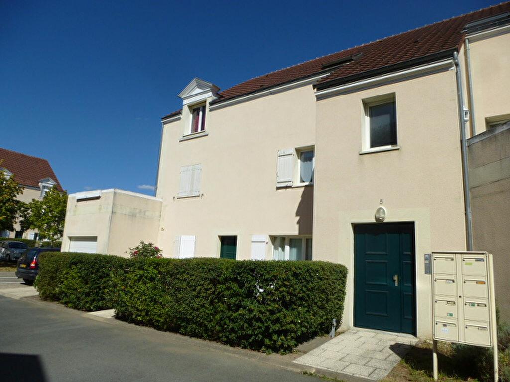 Appartement à louer 3 64m2 à Saint-Jean-de-Braye vignette-1