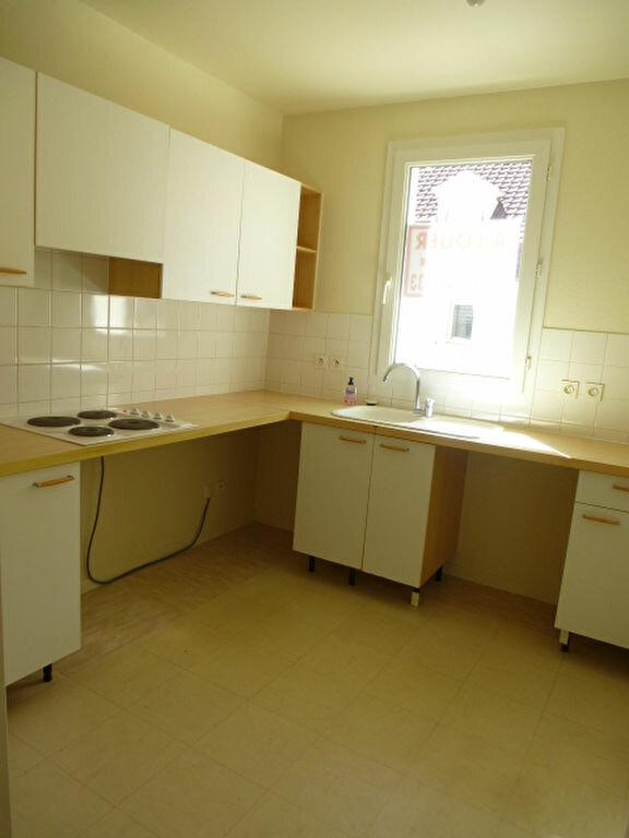 Appartement à louer 3 64m2 à Saint-Jean-de-Braye vignette-3