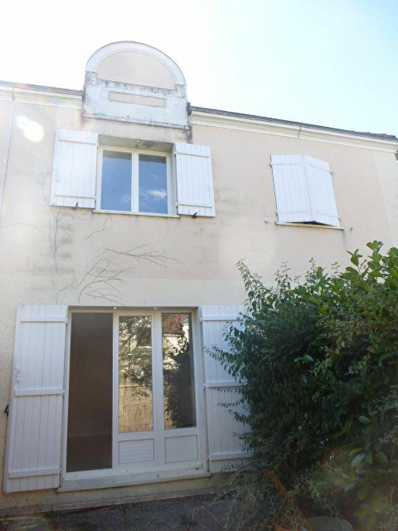 Appartement à louer 3 64m2 à Saint-Jean-de-Braye vignette-4