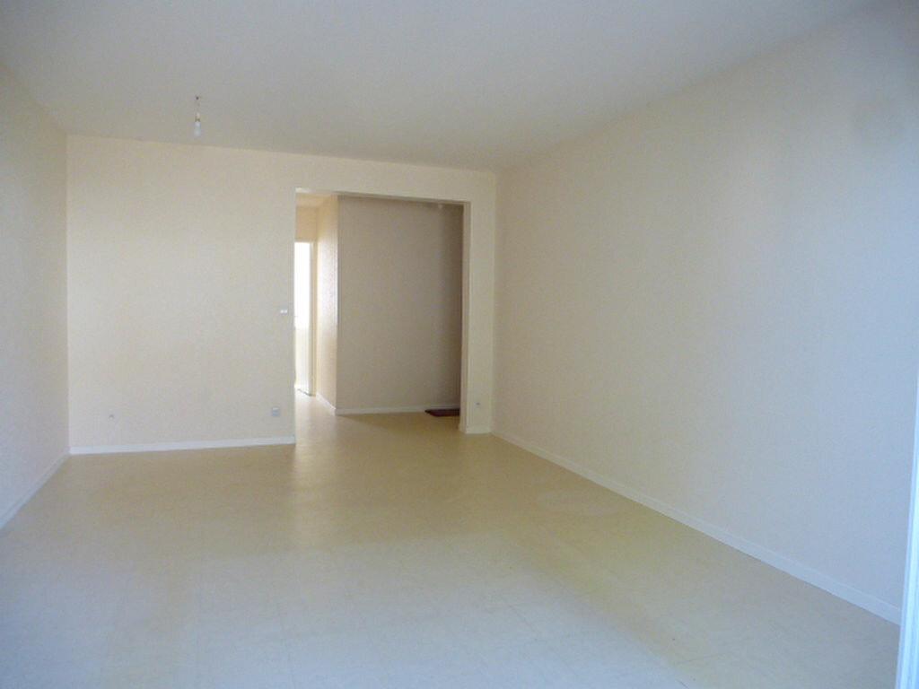 Appartement à louer 3 64m2 à Saint-Jean-de-Braye vignette-5
